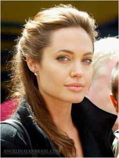 Angelina Jolie Brasil // Galeria                                                                                                                                                                                 More