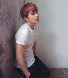 Xiumin EXO ,,, If you keep looking at me like that I will not respond for myself *~*