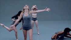 Girl, you tried. | Community Post: 27 GIFs Of Taylor Swift Dancing Awkwardly In Her New Music Video