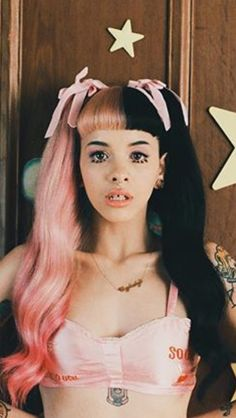 She is só beautiful on this video clip Melanie Martinez Style, Melanie Martinez Pictures, Crybaby Melanie Martinez, Melanie Martinez Makeup, Cry Baby, Divas, Poses References, Her Music, Celebs