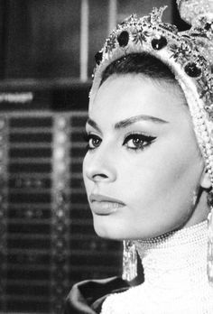 Sophia Loren, goddess  (Source: terrysmalloy, via mudwerks) (posted 10/4/12)