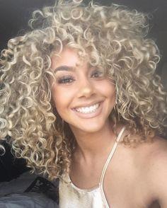 #repost Sweet smile & blonde curly hair! @?@goldennn_xo #curlyhair…