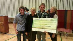Årets elevråd 2012!    Her sammen med Astrid Søgnen