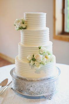 Camp Lucy Wedding by Joyful Details & Forever Photography.  Cake by Classic cakes by Lori