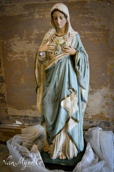 Maria in Pastell, Divine Mother, Blessed Mother Mary, Catholic Altar, Statues, Lady Madonna, Images Of Mary, Mama Mary, Mary And Jesus, Holy Mary