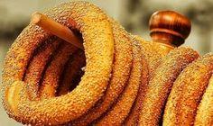 κουλούρι Θεσσαλονίκη - round bread roll from Thessaloniki - Greek Desserts, Greek Recipes, Desert Recipes, Greek Cooking, Cooking Time, Cooking Recipes, Food Network Recipes, Food Processor Recipes, Cookie Dough Pie