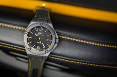 During the renowned Goodwood Members Meeting, we unveiled the new Ingenieur Automatic Edition AMG GT, the first watch worldwide to feature a case made of boron carbide. As a tribute to its namesake, the designers have elegantly combined the colour black with stylish yellow elements that reference AMGs exclusive colour solarbeam. (PHOTOPRESS/IWC)