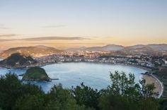 The Bay of La Concha. © Shutterstock/Chanclos