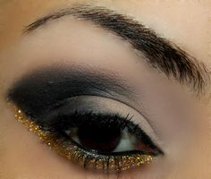 Ooo, I have blue glitter that would look cool like this!