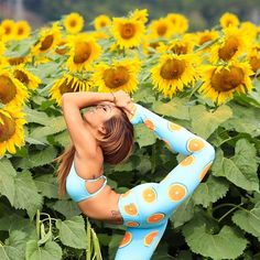 Feeling so sunny and bright on this beautiful Saturday ☀️ Hoping you all have a wonderful day #sunflowervibes all day everyday in @flexilexi_fitness of my leggings PC by the brilliant @hahaghost0521