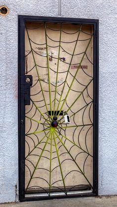 Spider web door in Los Angeles, California. Grill Door Design, Gate Design, Metal Gates, Iron Gates, Cool Doors, Unique Doors, Steel Gate, Steel Doors, Aigle Animal