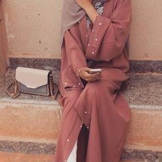 "1,920 Likes, 9 Comments - Hijab Fashion Inspiration (@hijab_fashioninspiration) on Instagram: ""@leylaaa75"""
