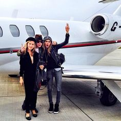 Ciao! Cara and her pal Georgia May Jagger flew into Milan from London on a private jet.