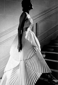 Alla in Dior's pleated evening gown, photo by Willy Maywald, 1950
