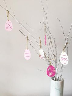 Here's a #DIY egg decorating option that won't leave your tabletop covered in dye. #etsyfinds
