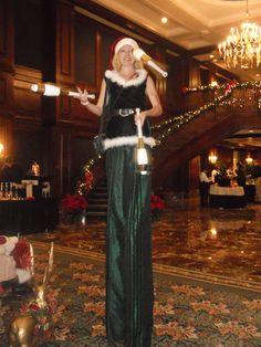 Stilt-walking, juggling Elf!