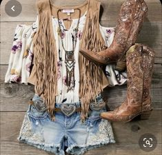 Country Style Outfits, Country Girl Style, Country Fashion, Boho Fashion, Fashion Outfits, Cowgirl Fashion, Vest Outfits, Cowgirl Outfits, Western Outfits