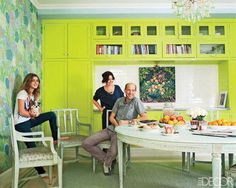Anthony Edwards And Jeanine Lobell Apartment - New York Apartment Decorating Ideas - ELLE DECOR - sublime decor Furniture Layout, Dining Room Furniture, Outdoor Furniture Sets, Bright Paint Colors, Chartreuse Color, Green Colors, Manhattan Apartment, York Apartment, Dining Room Colors