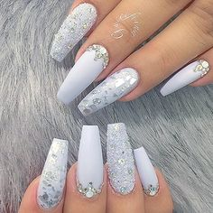 Gorgeous unique NAIL DESIGN FOR The bride, or Others. Pinterest: @jalapeño