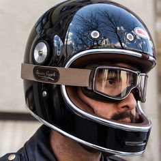 The modern-classic T2 goggles are the most popular model in the lineup. They offer interchangeable polycarbonate lenses and can accommodate small to mid-sized prescription eyewear. Silicone inside the elastic strap keeps the goggles in place, and chrome trim around the shatter-proof lenses keep things classy. They come in a molded plastic frame with built in ventilation and a great peripheral field of view. Supple leather padding makes an airtight seal on the wearer's face, and they'll fit…