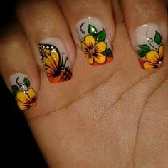 Viviana Crazy Nail Designs, Colorful Nail Designs, Nail Designs Spring, Nail Art Designs, Daisy Nails, Rose Nails, Fingernails Painted, Thanksgiving Nail Art, Flower Nail Art