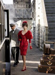 nine movie- penelope cruz Penelope Cruz Movies, Dress Code, Nine Movie, Colleen Atwood, Orient Express, Movie Costumes, Red Hats, Travel Style, Travel Chic