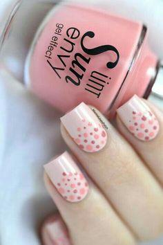 Nude y puntitos de colores rosas y salmón
