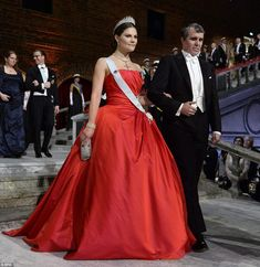 American Nobel chemistry laureate Eric Betzig arrives at the ceremony last night with Swed...