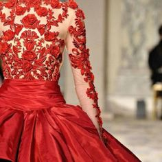 Perfect the inner lace with white . So perfect for red theme wedding . One day
