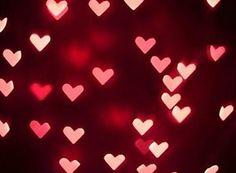Se sou amado, quanto mais amado mais correspondo ao amor.  Se sou esquecido, devo esquecer também, Pois amor é feito espelho: tem que ter reflexo.