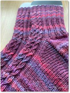 Easy Knitting, Knitting Socks, Knitting Patterns, Scarf Patterns, Knit Socks, Easy Crochet Headbands, Baby Socks, Garter Stitch, Free Pattern