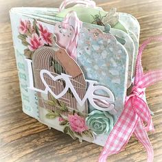 Hello Tilda Fans! Today I bring you Shabby Love Mini Album. To made this little one I used a mix of Tilda papers but especially: ...