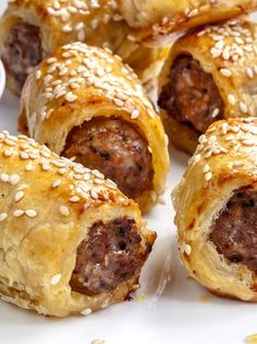Scrummy recipe for Pork & Fennel Sausage Rolls via I Quit Sugar - Great for parties and family gatherings. Spanish Desserts, Spanish Dishes, Australian Sausage Rolls Recipe, Barbacoa, Chorizo, Homemade Sausage Rolls, Australian Food, Australian Recipes, Kitchens