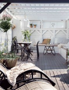 scandinavian style outdoor living | white black and neutral furniture