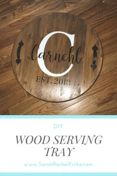 DIY Wood Serving Trays - Sarah Rachel Finke tisch tablett rund tisch tablett rundYou can find Herbstdeko and more on . Wood Projects For Beginners, Wood Working For Beginners, Diy Wood Projects, Wood Crafts, Art Projects, Serving Trays With Handles, Wooden Serving Trays, Round Wood Tray, Wood Wax