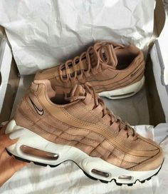 Image shared by 🧚🏽‍♀️. Find images and videos about style, shoes and nike on We Heart It - the app to get lost in what you love. Nike Air Max, Air Max 95, Moda Sneakers, Air Max Sneakers, Brown Sneakers, Brown Nike Shoes, Women's Sneakers, Cute Shoes, Me Too Shoes