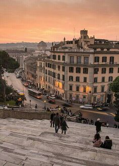 Roma! Have sat on those steps many many times ......