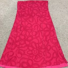 Lululemon beat the heat strapless dress size 12 This is in excellent pre owned condition! It's reversible or wear as a skirt or tube top or over leggings. Will fit smaller than a 12. lululemon athletica Dresses Strapless