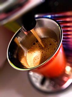 Guten Morgen…mildes erwachen und einen guten Start in die neue Woche wünsche ich euch mit einem #EnvivoLungo #Kaffee von @nespresso #whatelse #ShotoniPhone #iPhoneSE #Camera+ #tadaacommunity