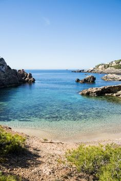 Ibiza beaches - Cala Olivera, Stunning and serene cove Menorca, Ibiza Formentera, Ibiza Travel, Nightlife Travel, Most Beautiful Beaches, Beautiful Places, Destinations D'europe, Places To Travel, Places To Visit