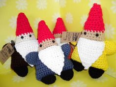 Gnomes! If only I could knit...