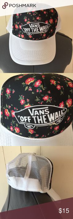 VANS Floral hat New. Never worn. Perfect condition Vans Accessories Hats