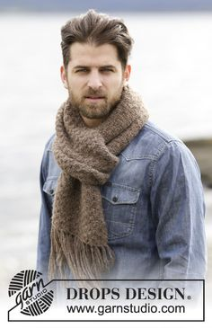 """DROPS Extra 0-1154 - Knitted DROPS scarf with texture and fringes in """"Air"""". - Free pattern by DROPS Design"""