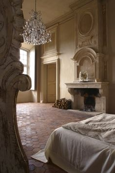 white on white with my favorite terracotta honeycomb tiles....must be france