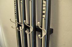 Diamantel / Coat hanger made of used cross-country skis Coat Hanger, Cross Country, Lockers, Locker Storage, Door Handles, Cabinet, Furniture, Home Decor, Clothes Hanger