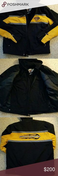HARLEY DAVIDSON CANVAS MENS MOTORCYCLE JACKET FABULOUS MENS BLACK AND YELLOW HARLEY DAVIDSON MOTO JACKET SZ MED, REMOVABLE BLACK BUTTON IN HOODIE CLASSIC HARLEY DAVIDSON LOGOS THROUGHOUT  FRONT SLASH POCKETS, WRIST ZIPS, INTERIOR ZIPPED SLASH POCKETS, HOODIE IS HARLEY DAVIDSON EMBROIDERED ON BACK, KANGAROO POCKETS. IN EXCELLENT USED CONDITION  DOES HAVE A FEW SPOTS, NOT STAINS, NEEDS A FRESH CLEANING, NO WEAR OR IN BEDDED DIRT CLASSIC HARLEY DAVIDSON! 125.00 FINAL MARKDOWN NO OFFERS PLEASE…