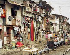 Peter Bialobrzeski: Megacities and their slums 'Manila / Philippinen' 2008.