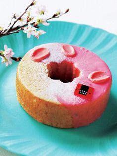 Sakura bloom Baumkuchen Club Western-style sweets http://www.elle.co.jp/atable/pick/mothersdaysweets_0408/12