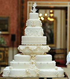 Prince William and Kate Middleton wedding cake was an eight-tiered fruit cake covered in white icing