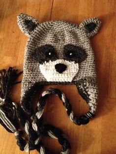 Raccoon crochet earflap hat sooo want to make this Crochet Animal Hats, Crochet Kids Hats, Crochet For Boys, Crochet Beanie, Knit Or Crochet, Cute Crochet, Knitted Hats, Knitting Projects, Crochet Projects